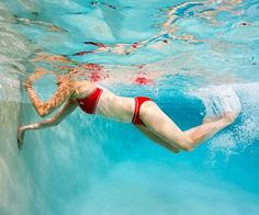 Want to workout without breaking a sweat? Hop in the pool! This fun water workout burns mega calories and tones every trouble spot. Weight Loss Diet Plan, Weight Loss Plans, Easy Weight Loss, Weight Loss Program, Healthy Weight Loss, Swimming Pool Exercises, Pool Workout, Weekend Workout, Want To Lose Weight