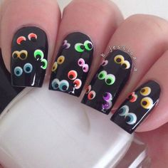 For the women finding the Halloween nails, 27 Best Halloween Nail Art Designs 2020 UK. Fancy Nails, Love Nails, Diy Nails, How To Do Nails, Pretty Nails, Halloween Nail Designs, Halloween Nail Art, Cute Nail Designs, Spooky Halloween