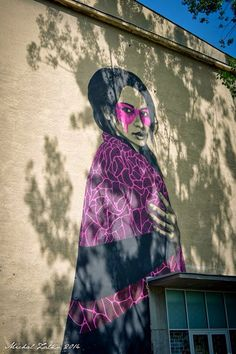 The Bratislava Street Art Festival 2014 is underway and Fin DAC was in town to work his magic on the streets of Bratislava in Slovakia. Murals Street Art, Street Art Graffiti, Reverse Graffiti, Street Gallery, Fantastic Art, Land Art, Art Festival, Street Artists, Public Art