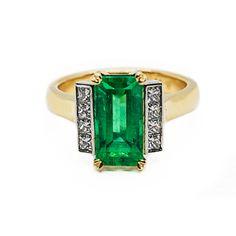 Colombian Emerald & Diamond Ring in Platinum & Yellow Gold Stone Earrings, Stone Bracelet, Stone Necklace, Stone Jewelry, Emerald Diamond, Diamond Cuts, Coloured Stone Rings, Columbian Emeralds, Garnet Rings
