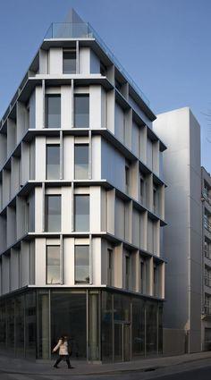 2d06955e8586948f8a97834e37ab6037--hotel-architecture-amazing-architecture.jpg 555×1.000 Pixel