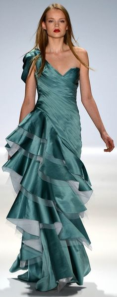 Carlos Miele s/s 2013  Lisa Collins via Dina Kovač onto In search of my newest Red Carpet Gown