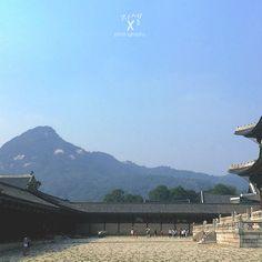 blending  #kyeongbukgung #palace @seoul #korea #summer #2014