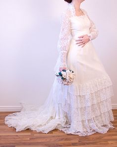 Vintage Ivory Wedding Dress Bridal Gown ILGWU by ArtisticElements, $250.00