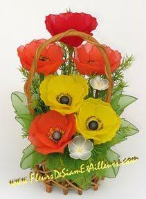 15 Idejas no plastmasas pudeleem! Flowers For You, Diy Flowers, Fabric Flowers, Paper Flowers, Nylon Crafts, Cold Porcelain Tutorial, Ribbon Projects, Nylon Flowers, Fleurs Diy