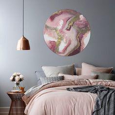 31 Beautiful Rose Gold Bedroom Design To Inspire You - Dlingoo Dream Bedroom, Home Bedroom, Bedroom Decor, Blush Bedroom, Bedroom Colors, Feminine Bedroom, Modern Bedroom, Bedroom Apartment, Bedroom Romantic