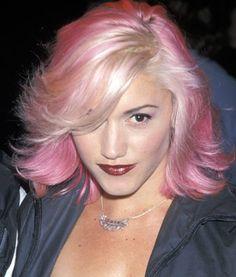 Gwen Stefani: delicate pink flicks
