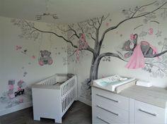 Beertjes muurschildering volledige babykamer meisje