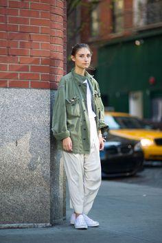 ニューヨークの街角でファッションスナップ。