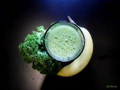 zöld turmix, green smoothie Tahini, Smoothie, Ethnic Recipes, Food, Smoothies, Shake, Meal, Essen, Hoods
