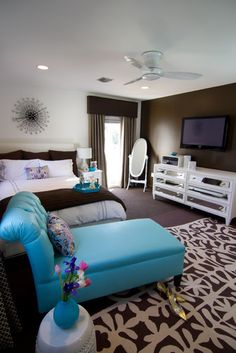 Brown, white and turn turquoise bedroom