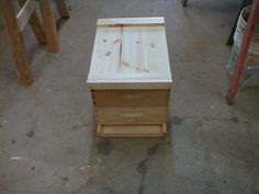 I build a bee hive for my package bees. Building a bee hive from a kit is really easy. Bee Hive Kits, Bee Hive Plans, Package Bees, Beekeeping For Beginners, Honey Bee Hives, Honey Bees, Bee Supplies, Raising Bees, Bee Boxes