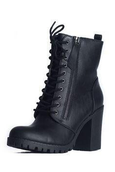 Malia Black Boots