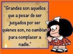 que grande! Some Quotes, Words Quotes, Sayings, Mafalda Quotes, Frases Bts, Glitter Text, Pinterest Memes, Little Bit, Spanish Quotes