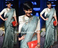 Mandira Bedi in Anavila saree lakme fashion week 2017