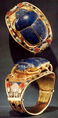 Insect Jewellery Kaleidoscope. Scarab beetle ring