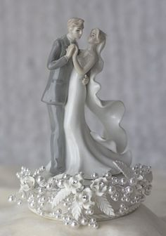 Another beautiful vintage cake topper! how romantic