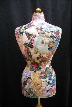 Mannequin femme orné de collage par ArtCollagebyFiona sur Etsy