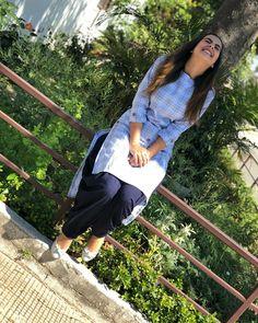 Khush raho bas ☺️♥️ Be positive ✌ Kurta Designs Women, Kurti Neck Designs, Western Outfits, Indian Outfits, Simple Indian Suits, Chudidhar Designs, Trendy Kurti, Stylish Dpz, Kurti Collection