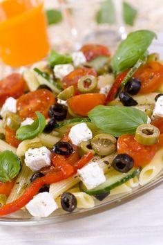 On continue avec d'autres salades du monde : salade à la grecque, à l'indienne, à la mexicaine ou encore à l'espagnole,...