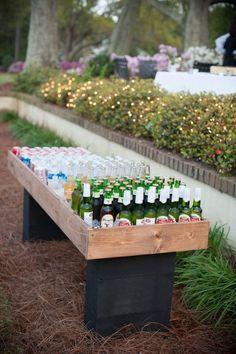 Gartengestaltung tolle Ideen Buffet Bier Sommerparty