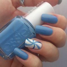 Blue swirls - nail design