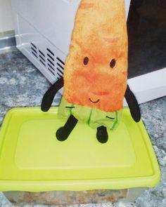Listo el #tupper de #comida para mañana! #instafood #instatoys #peluches #pelucheando #plush #softtoys #food #yummy #carrot #zanahoria #IKEA