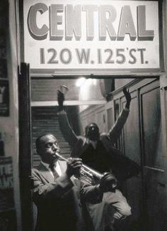 by William Claxton http://www.taschen.com/pages/en/catalogue/photography/reading_room/132.into_the_jazz_heartland.6.htm