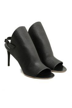 Balenciaga black leather sandal sandalo in pelle nera Balenciaga Spring Summer 2016