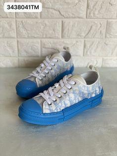 Christian Dior CD B23 sneakers man shoes Puma Platform, Platform Sneakers, Man Shoes, Dior Shoes, Christian Dior, Converse, Fashion, Walking Shoes For Men, Moda