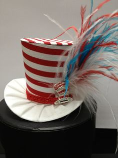 Dr Suess Inspired Mini Top Hat for Dress Up, Birthday, Tea Party or Photo Prop Crazy Hat Day, Crazy Hats, Dr Seuss Hat, Dr Suess, Funny Hats, Mad Hatter Hats, Hat Crafts, Diy Hat, Lace Headbands