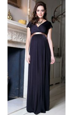 Are you finding perfect Plus Size maternity dress for you? Check Cute Maternity Dresses for Special Occasion, Evening Dress, Formal Gowns, Casual & Prom Dresses 2020 Maternity Evening Gowns, Plus Size Maternity Dresses, Dresses For Pregnant Women, Pregnant Wedding Dress, Winter Maternity Outfits, Summer Dress Outfits, Winter Dresses, Maternity Fashion, Bridesmaid Dresses Uk