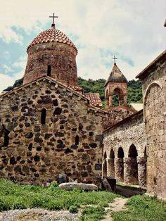 DADIVANK MONASTERY Dadivank is an ancient religious and cultural center established in the 1st century on the relicts of St.Dadi who was martyred while preaching Christianity in Artsakh. Starting from the 5th century Dadivank is referenced as episcopacy, other premises of the complex are considered to be of the 9-13th century.