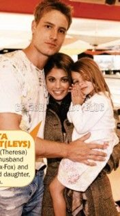 Lindsay and Justin Hartley bring daughter to Passions party http://celebritybabies.people.com/2008/04/11/hartley-family/