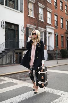 Travel style in florals and pink | Atlantic-Pacific