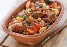 Lammegryte: Lam i leirgryte - KK Barbecue, Cooking Contest, Recipe Boards, Dinner Is Served, Pot Roast, Potato Salad, Crockpot, Slow Cooker, Food To Make