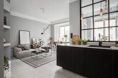 Décoration grise dans un petit appartement.