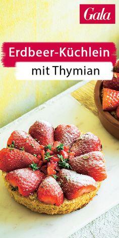 Backen: Erdbeerkuchen mit Thymian! Ein einfaches Rezept für den Sommer. #backen #backrezept #erbeerkuchen #thymian #rezept Dessert, Strawberry, Fruit, Blog, Strawberries, Oven, Finger Foods, Crickets, Dessert Food