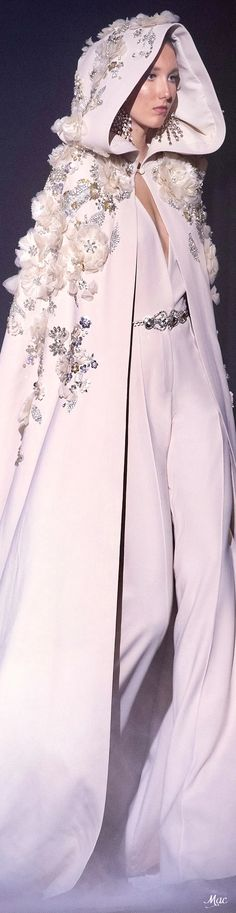 Spring 2021 Haute Couture Elie Saab Haute Couture Paris, Elie Saab Couture, Haute Couture Fashion, Evening Attire, Evening Gowns, Runway Fashion, Fashion Show, Fashion Design, Ellie Saab