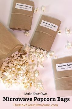 Easy homemade microwave popcorn bags using brown paper lunch bags and popcorn kernels Brown Bag Popcorn, Paper Bag Popcorn, Popcorn Gift, Popcorn Bags, Popcorn Toppings, Popcorn Recipes, Thm Recipes, Healthy Movie Snacks, Recipes