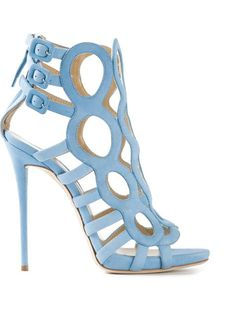 Compre Giuseppe Zanotti Design Sandália azul claro em  from the world's best independent boutiques at farfetch.com. Over 1000 designers from 300 boutiques in one website.