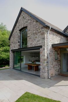 Veddw farm, monmouthshire modern houses by hall + bednarczyk.-Veddw farm, monmouthshire modern houses by hall + bednarczyk architects modern Modern Barn House, Modern House Design, Modern Cottage, Cottage Extension, Barn Renovation, Stone Houses, Stone Cottages, Stone Exterior Houses, Country Cottages