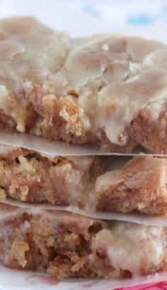 Cinnamon Roll Banana Bread Sheet Cake