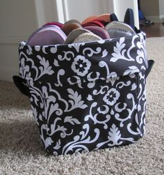 Need a place to toss all of those flip flops? The Mini Utility bin is a great place! Shown in Black Parisian Pop