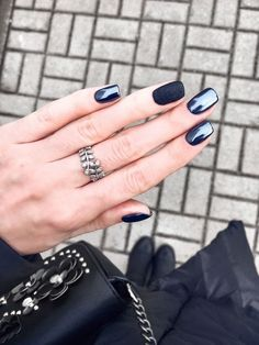Love this classic black nails!