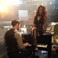 """Lesley-Ann Brandt """"Sometimes I just like to listen to my boss make some music."""" Behind-the-scenes of @luciferonfox on @foxtv #lucifer #mazikeen @officialtomellis @lenwisema 