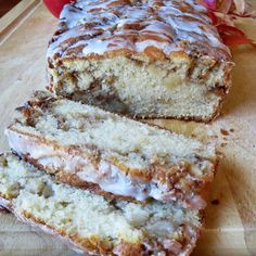 Apple Fritter Bread--This bread tastes exactly like an apple fritter!