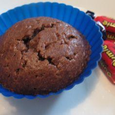 Dumlemuffinit. Tavallisia suklaamuffineja, joihin tulee Dumlesuklaa sydämeksi.