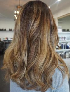 Chunky Honey Blonde Balayage Highlights