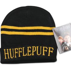 Harry Potter Hufflepuff House Scarf And Hat Harry Potter House Colors, Harry Potter Houses, Hogwarts, Nerd, Holiday Costumes, Harry Potter Outfits, Voldemort, Cultura Pop, Hermione Granger